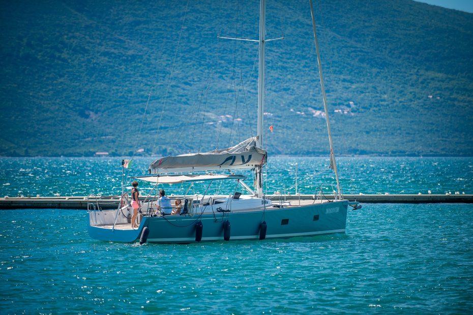 Betoverende boottocht tijdens je lustrumreis in Montenegro